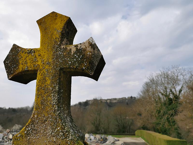 tombe cimetière Meximieux
